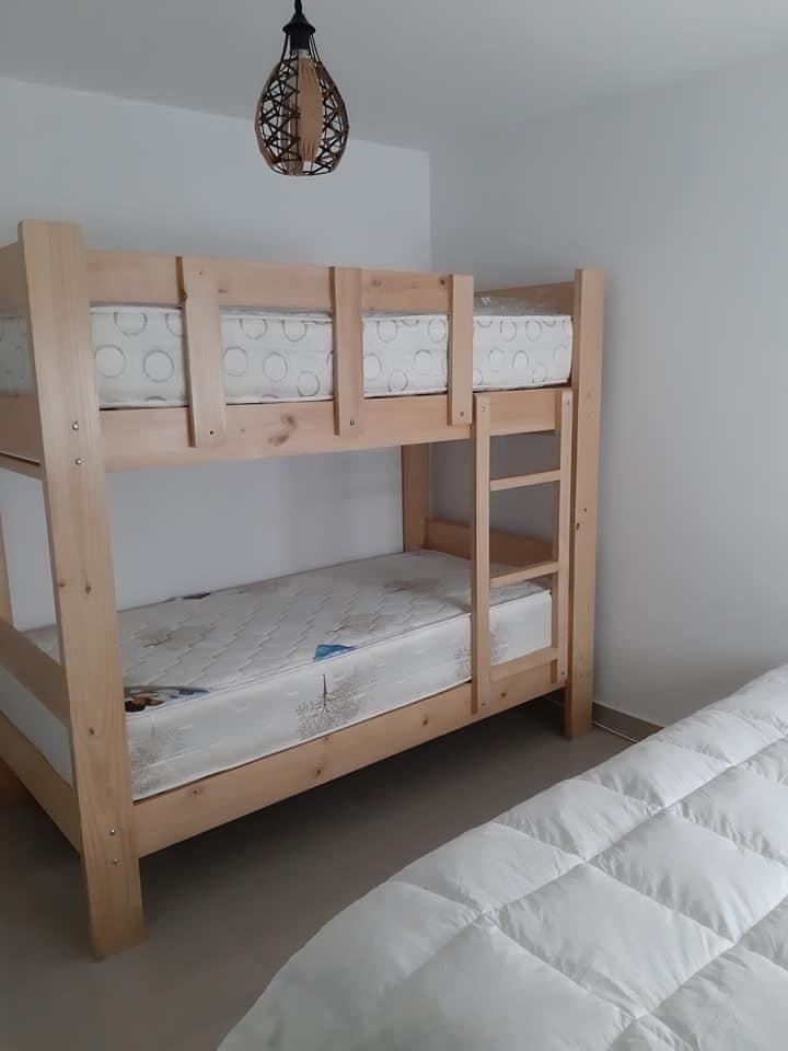 10 de 14: Camarote dormitorio secundario.