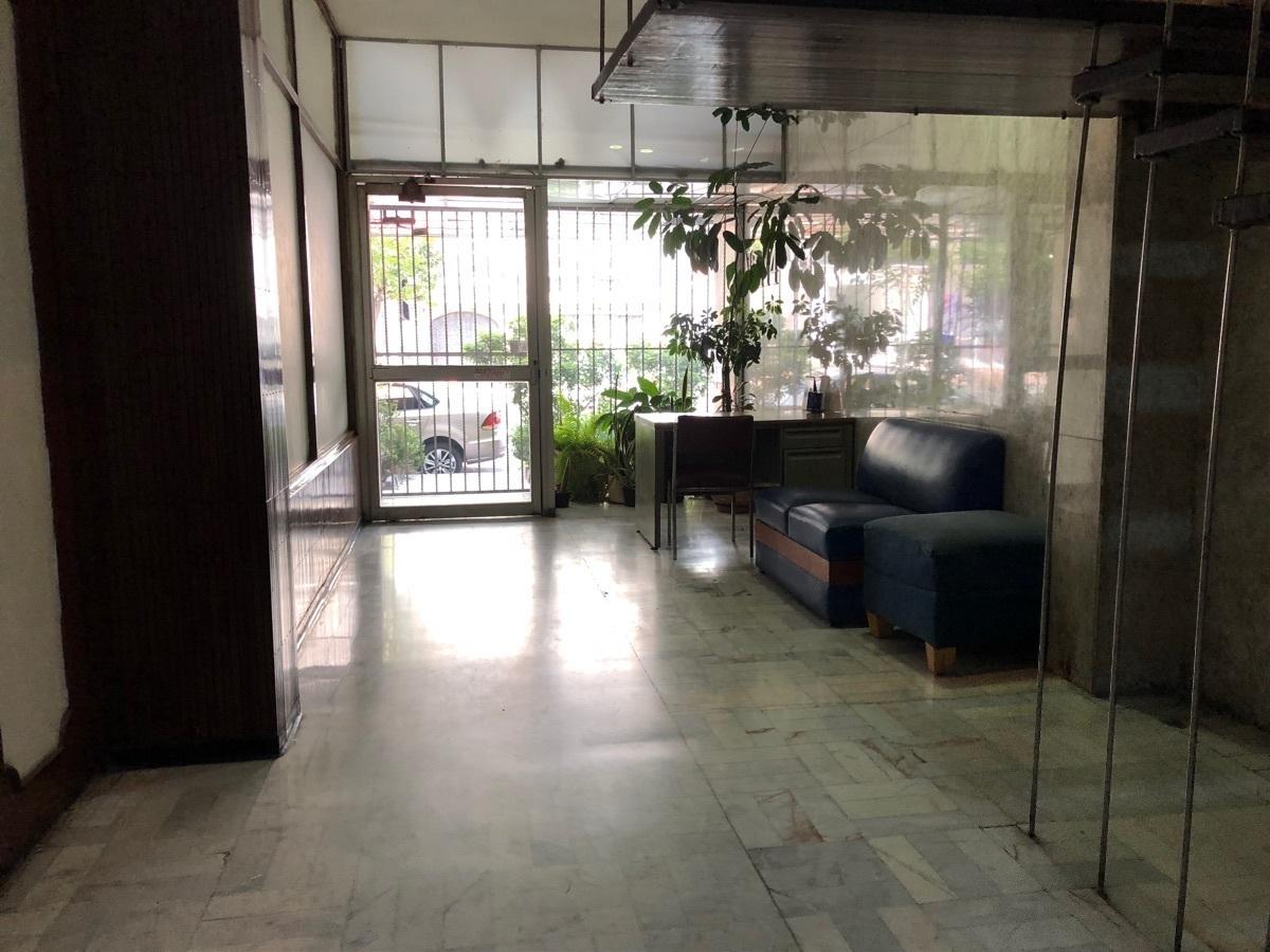 17 de 22: Lobby del edificio