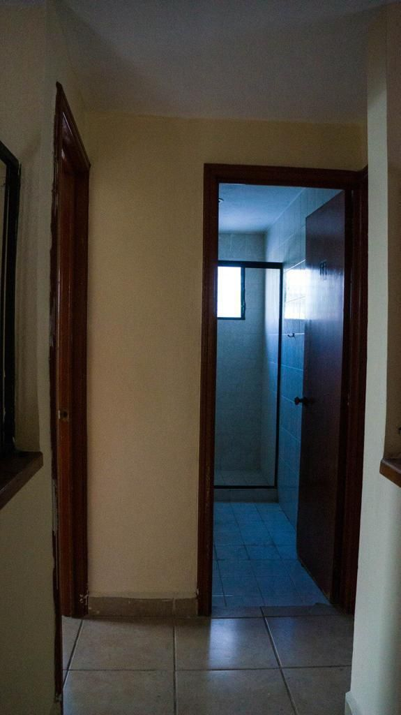14 de 18: Pasillo de acceso