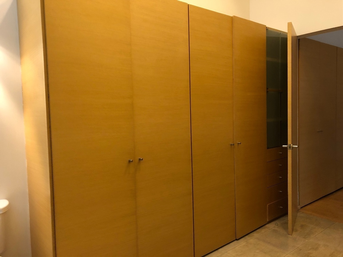 16 de 41: Closets recámara principal