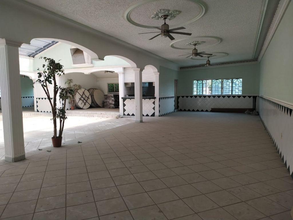 7 de 12: Interior