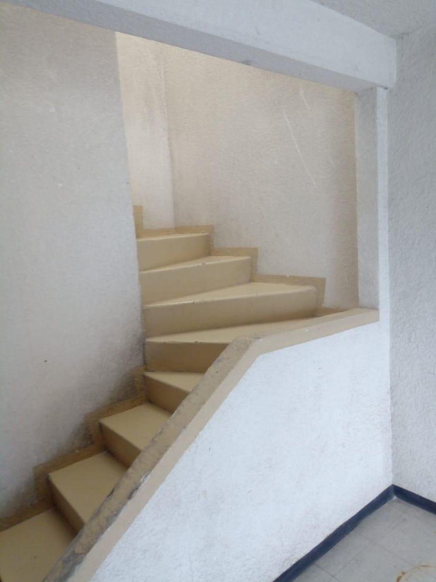 7 de 15: Escaleras