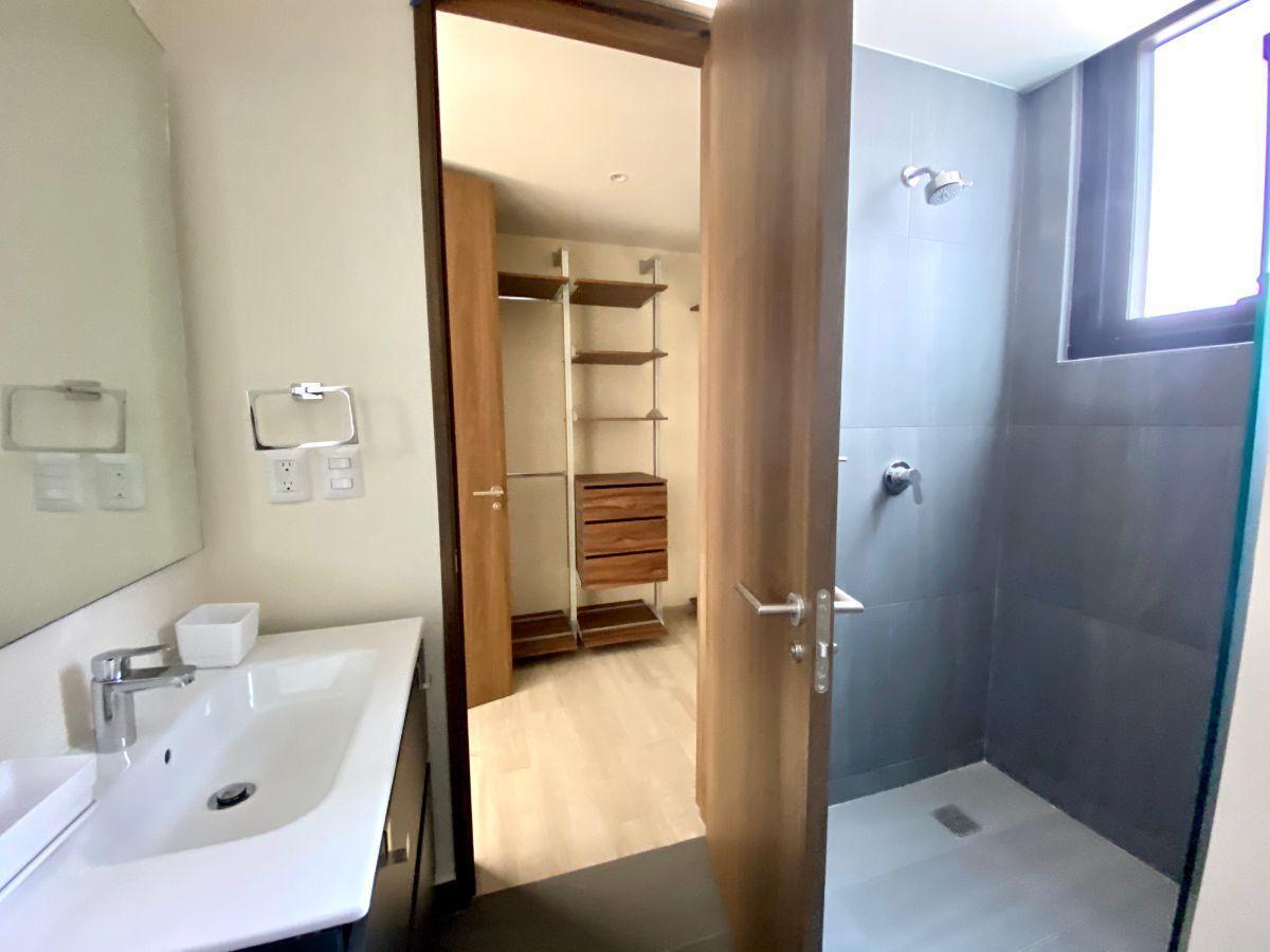 5 de 13: Baño y Vestidor Rec principal