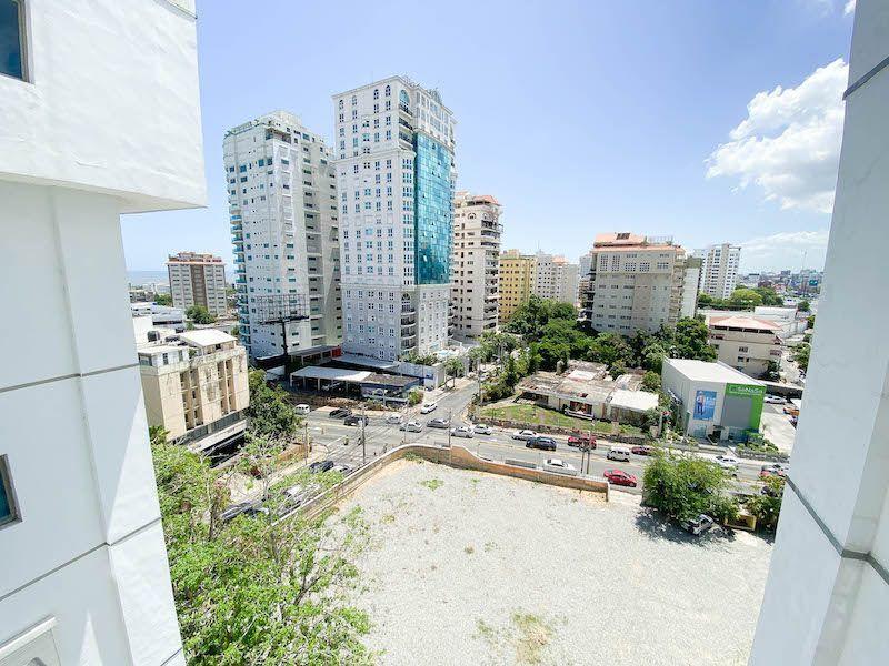 6 de 15: Vista desde el Balcón