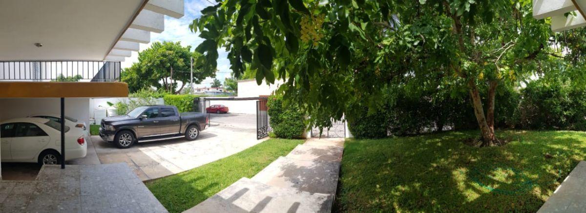 4 de 11: Cochera jardin