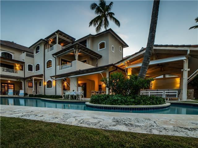 2 de 50: Villa Beach Front Luxe Colonial 12 Bedrooms For Weddings