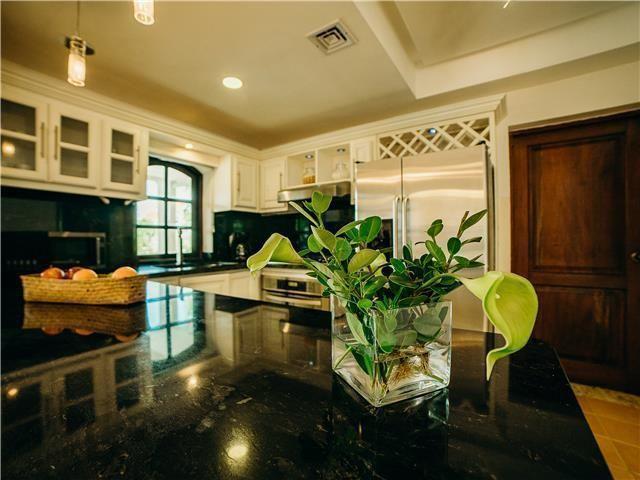 21 de 50: Villa Beach Front Luxe Colonial 12 Bedrooms For Weddings