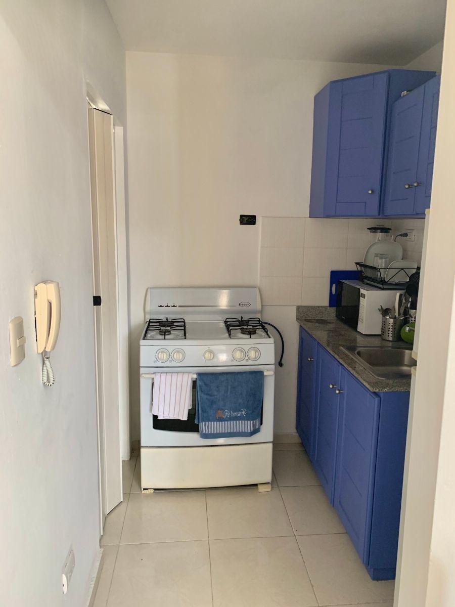 5 de 10: Cocina junto al área de lavado