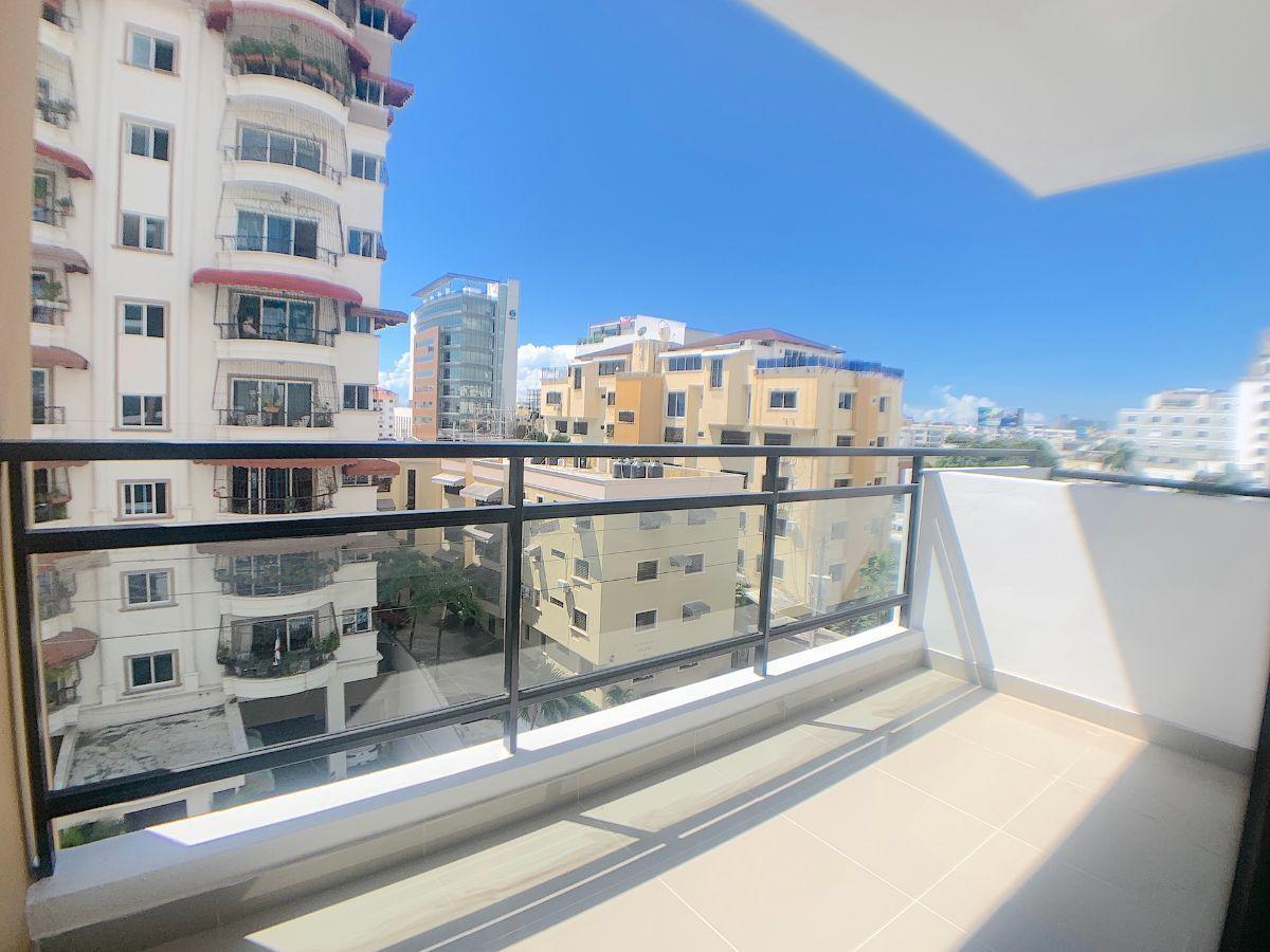 2 de 16: Balcón con vista al Sur