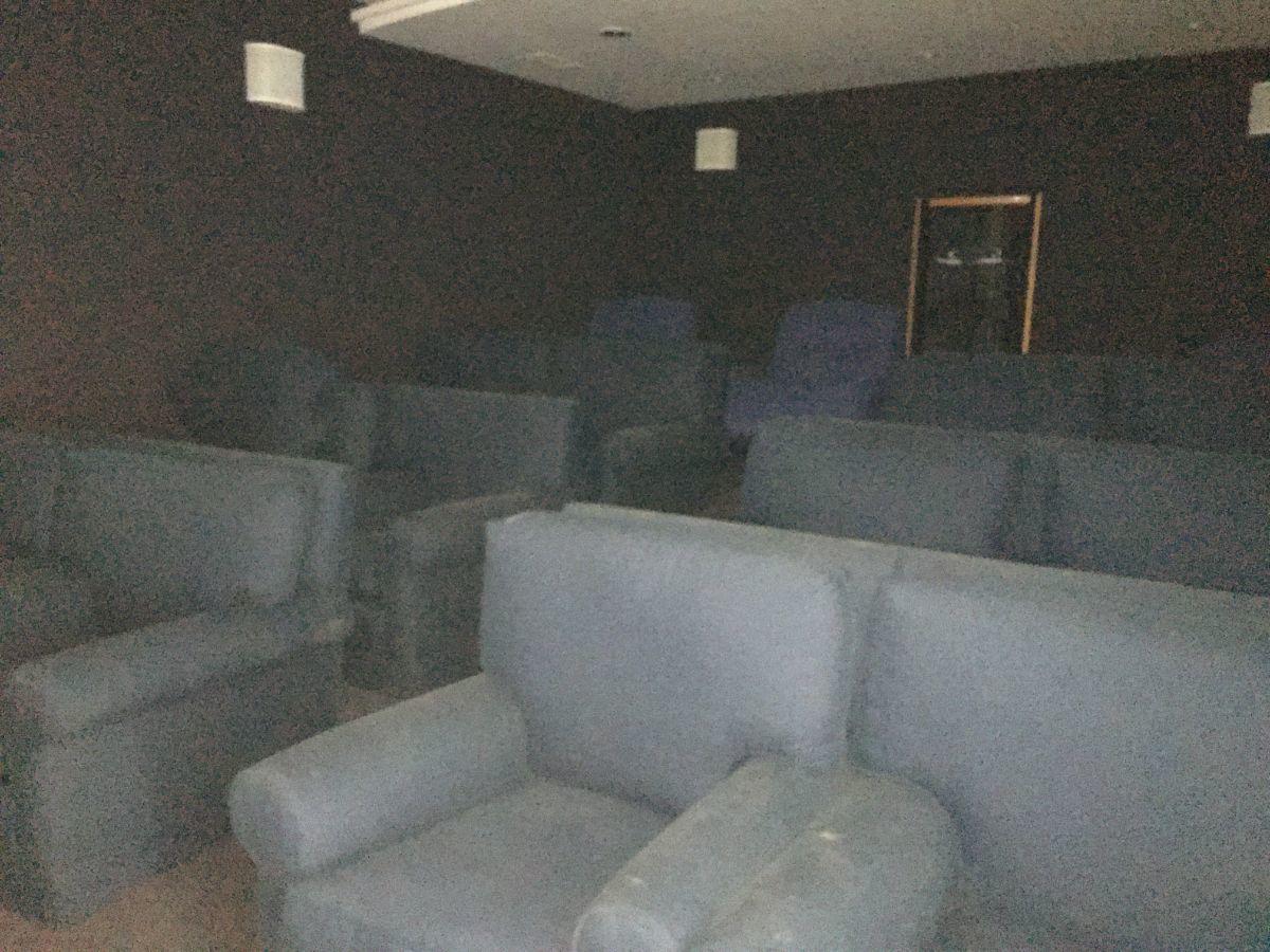 34 de 41: Sala de cine