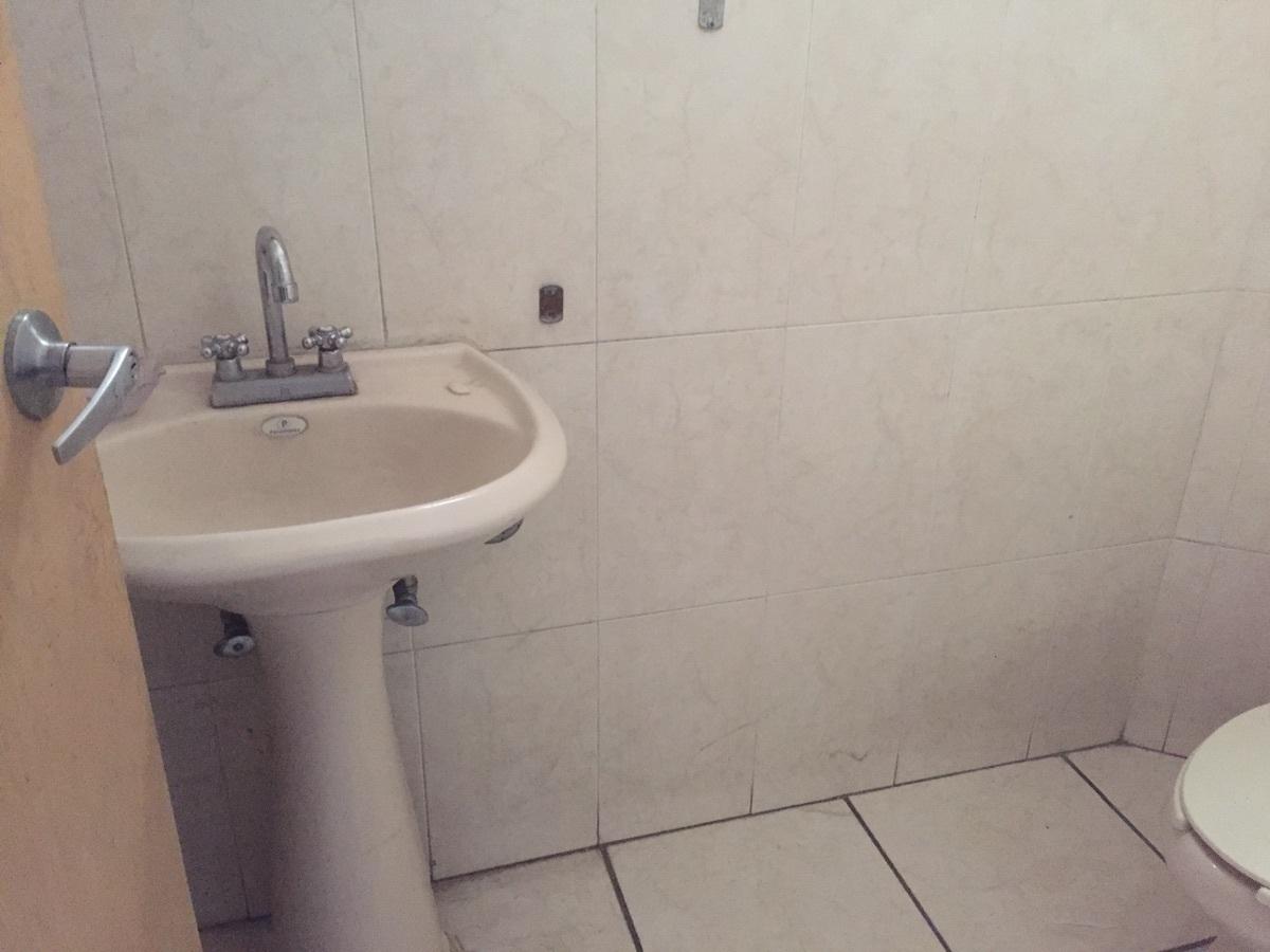8 de 32: medios baños