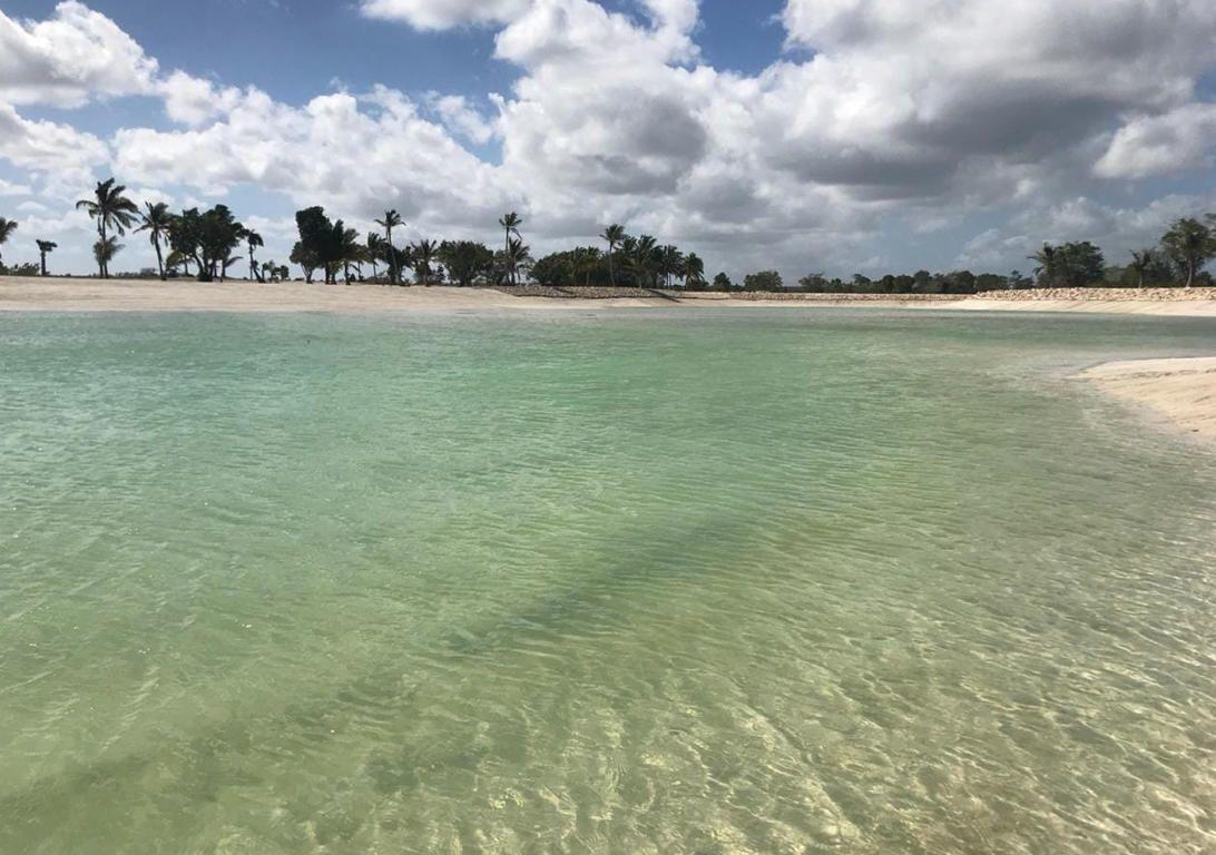 19 de 23: Playa Artificial