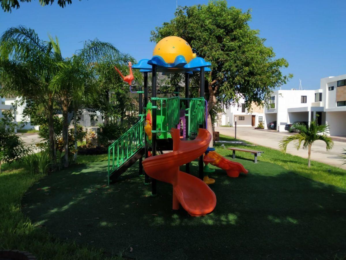 21 de 31: Área de Juegos Infantiles