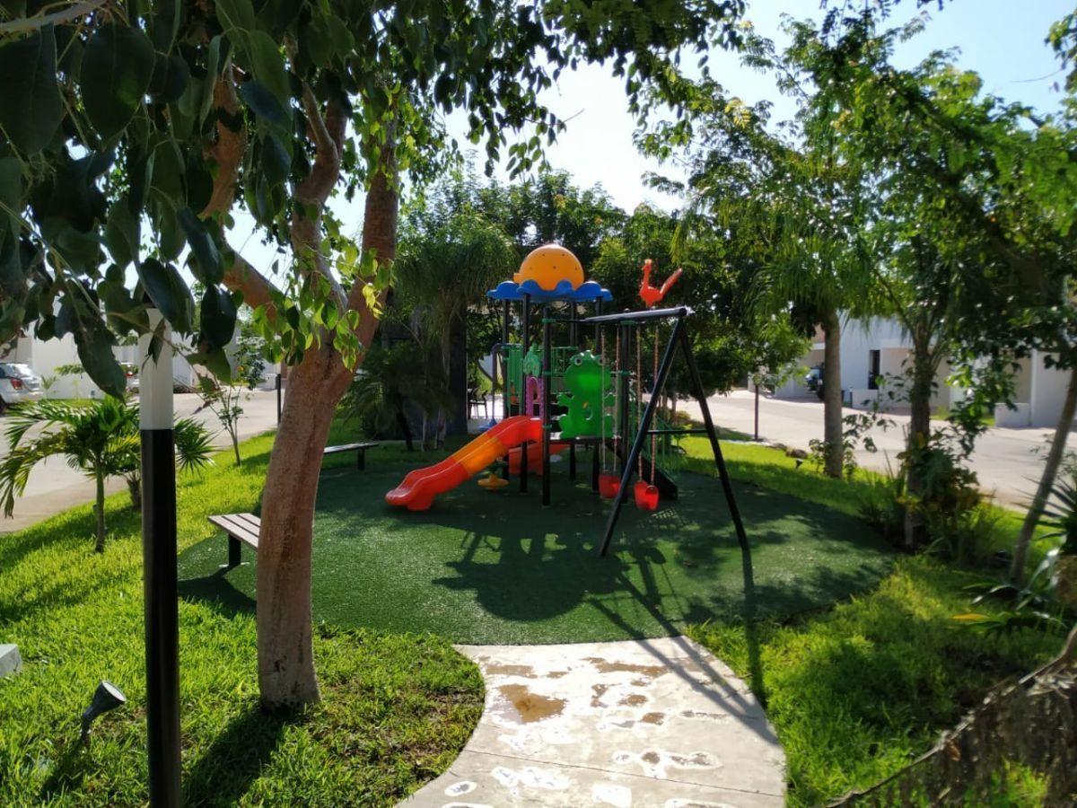19 de 30: Área de Juegos Infantiles