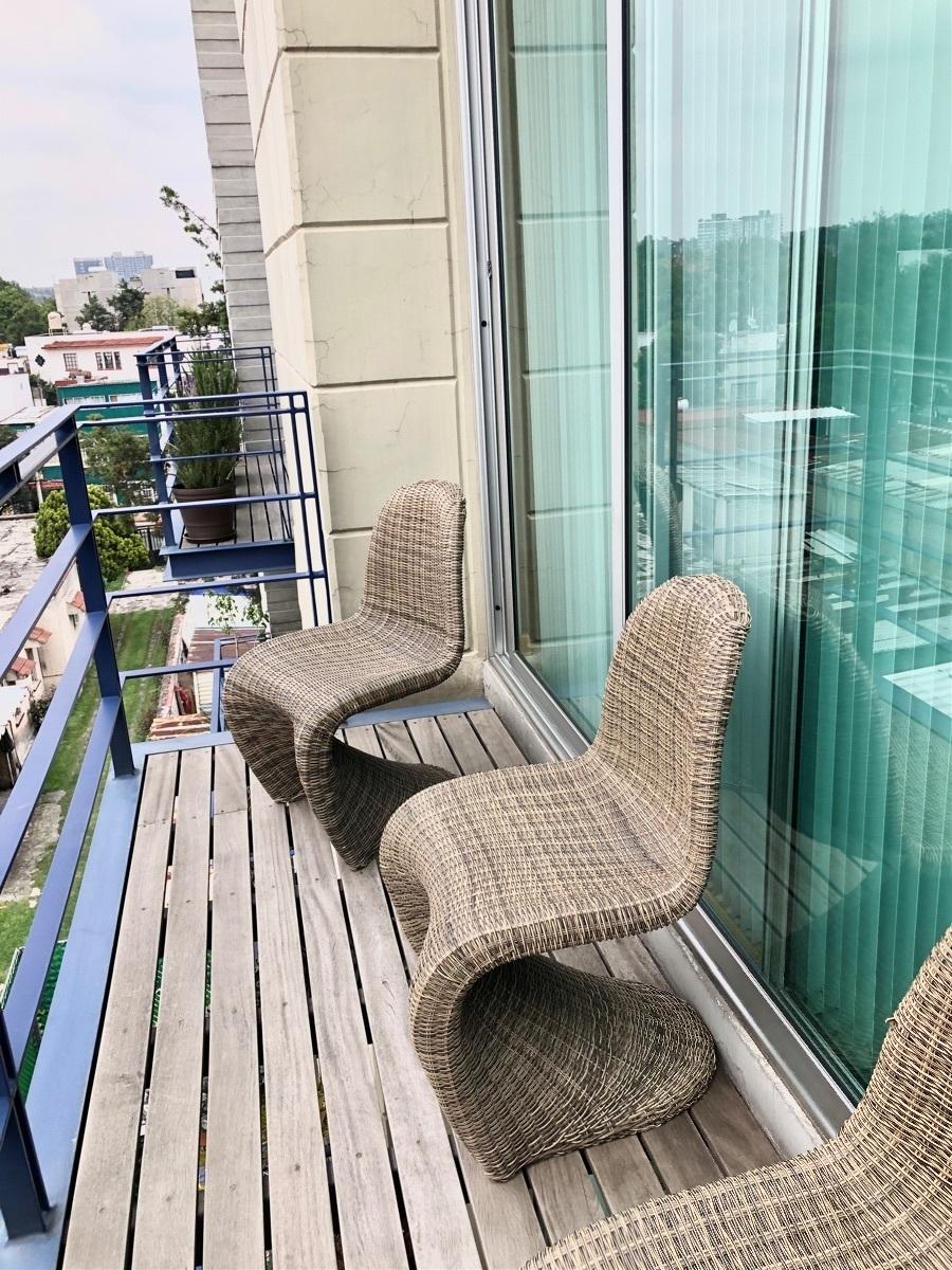 11 de 42: Balcón Estancia