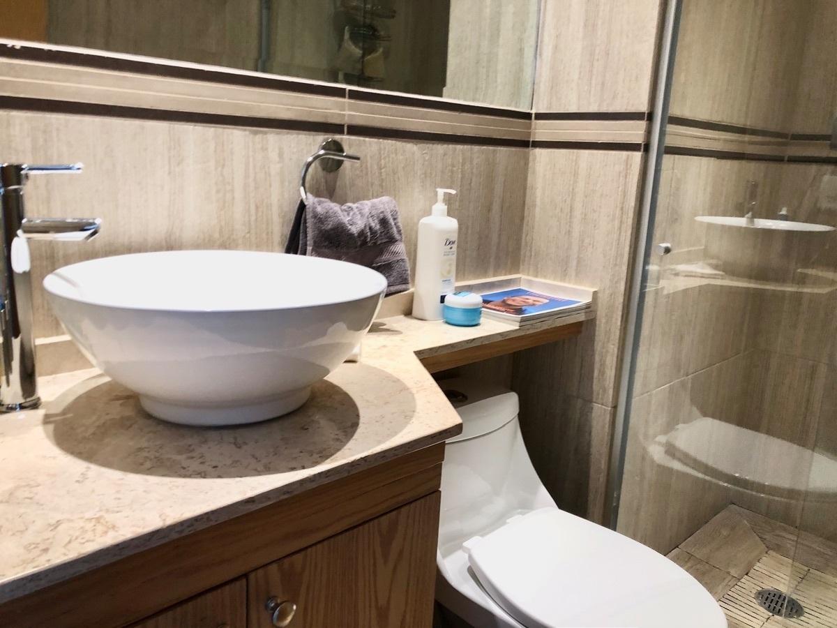 12 de 42: Baño Principal