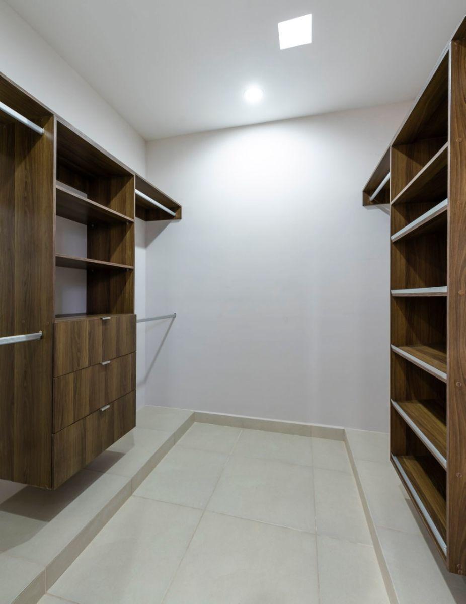 11 de 15: Closet vestidor (no incluye carpintería)