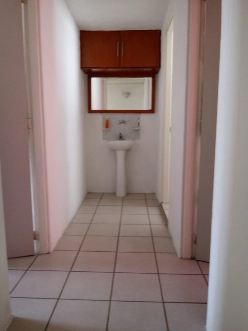 5 de 11: Pasillo que conecta el baño completo y las recamaras