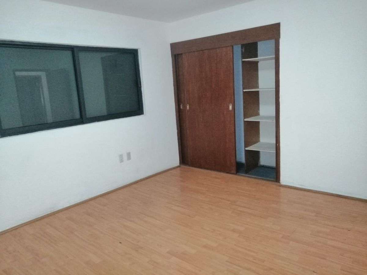 6 de 26: oficina 1 primer piso