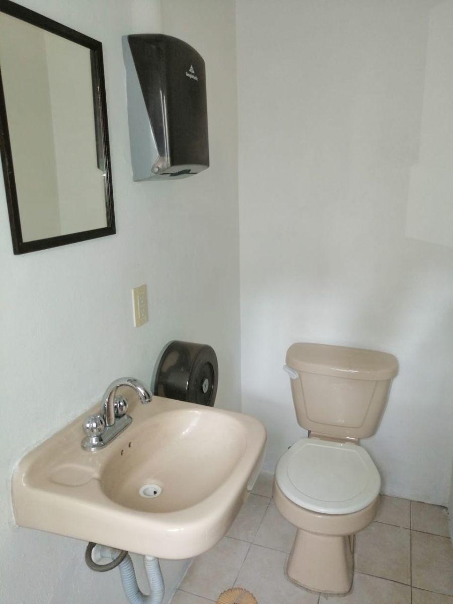 19 de 26: baño  segundo piso
