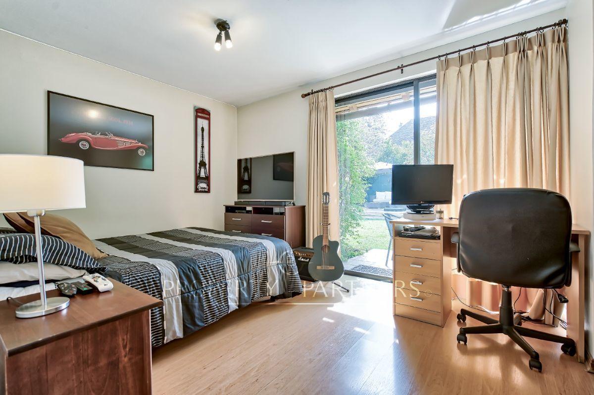 10 de 17: Dormitorio en suite