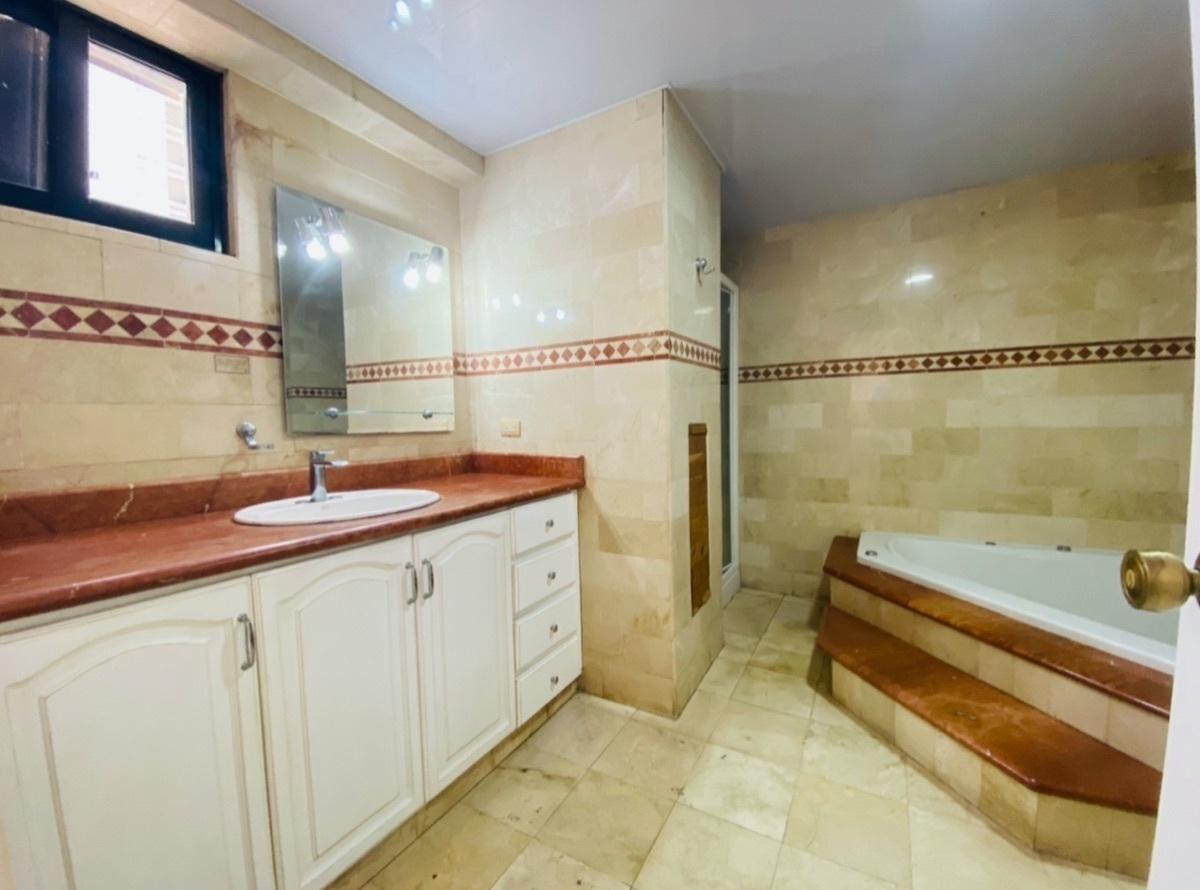 17 de 20: Baño Principal