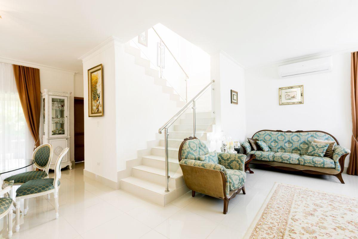 18 de 46: Villa Punta Cana village en venta 2 niveles 4 dormitorios