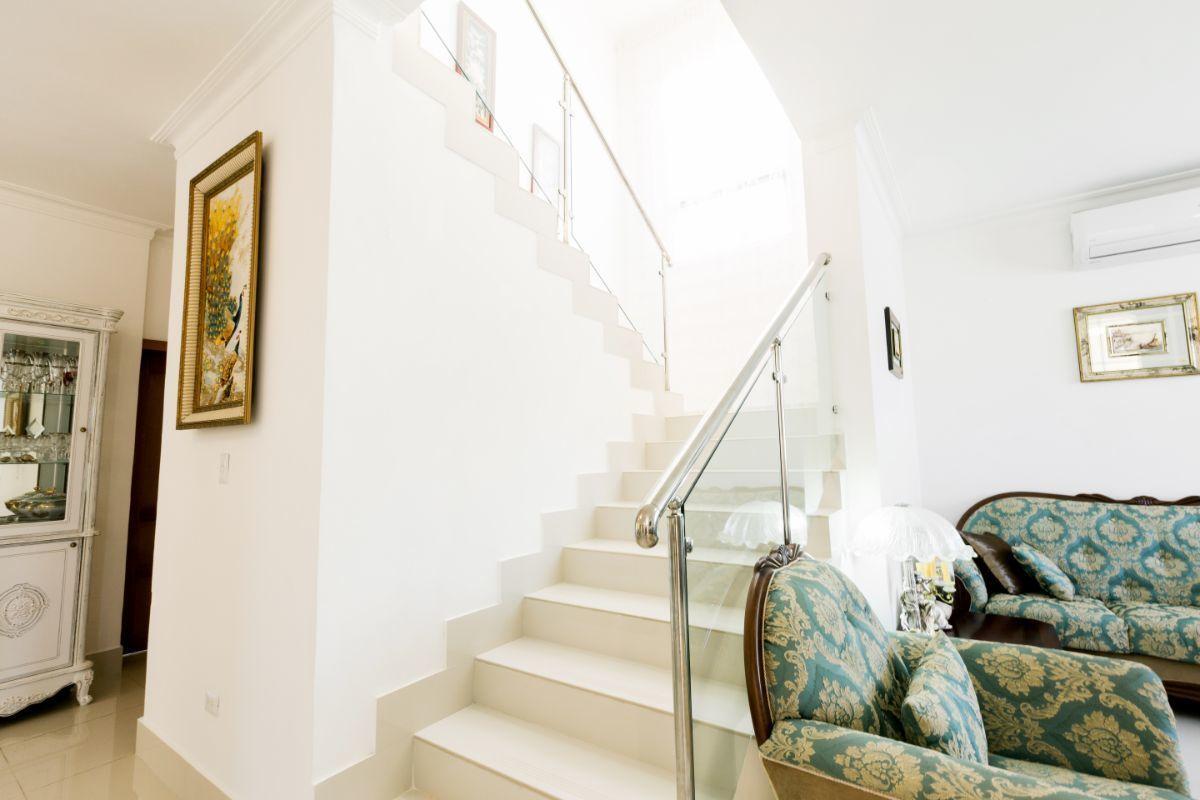 24 de 46: Villa Punta Cana village en venta 2 niveles 4 dormitorios