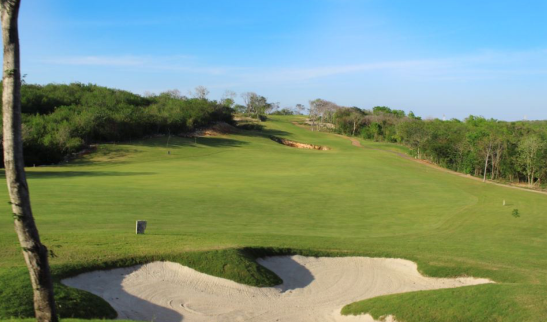 2 de 15: Campo de Golf