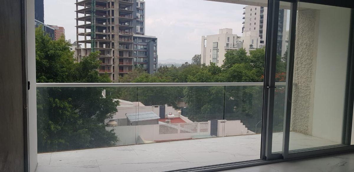 12 de 32: balcon