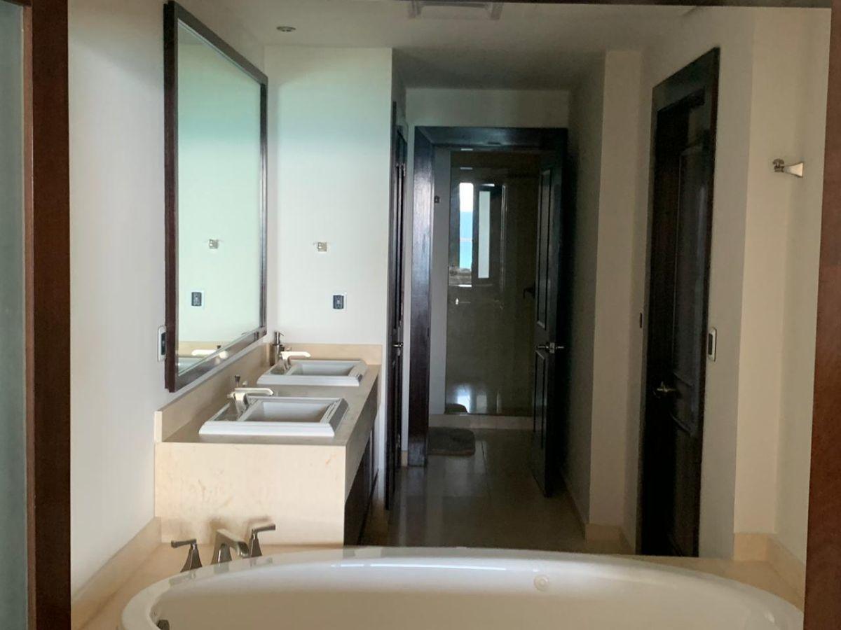 29 de 47: baño recamara 3 visitas