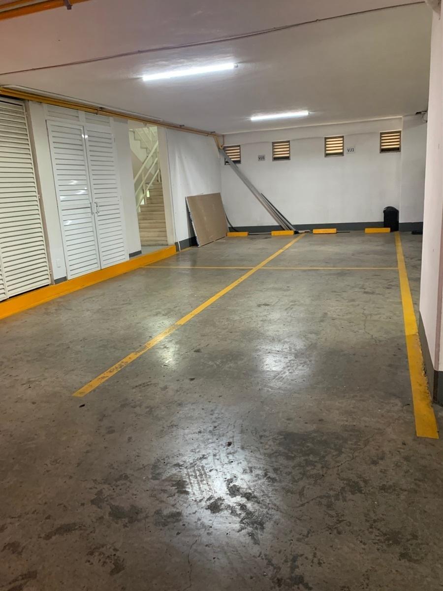 45 de 45: 4 lugares de estacionamiento