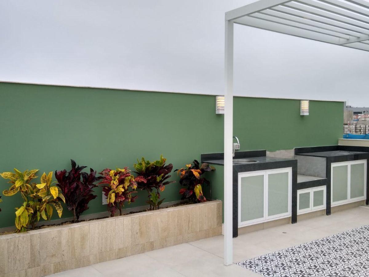 15 de 18: Areas comunes  de 135m2 de terraza amoblada y piscina.