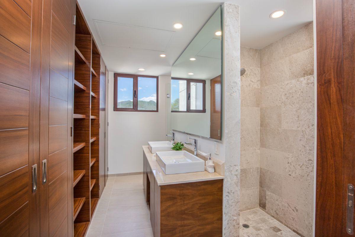 8 de 11: Principal bathroom