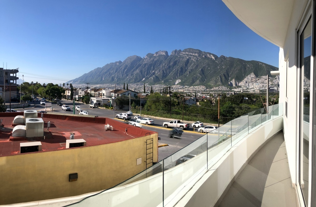 10 de 26: Balcón en recámara principal con hermosa vista