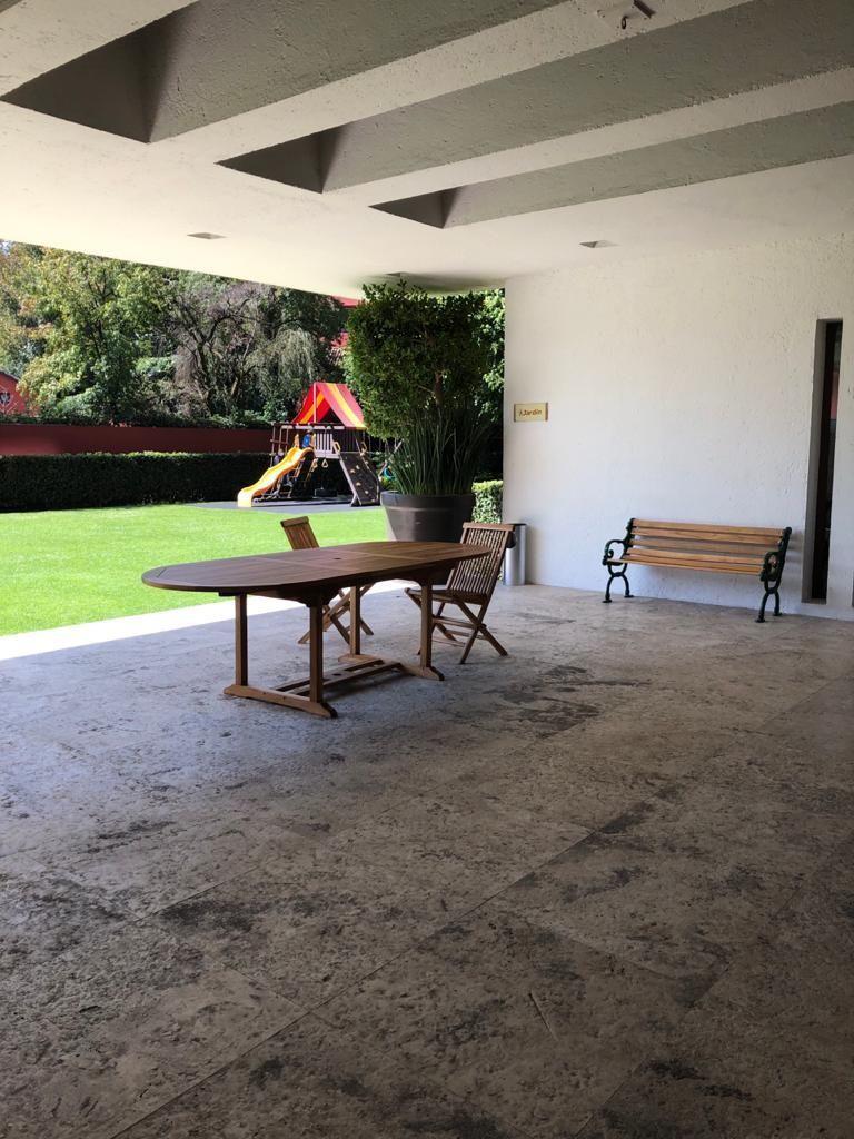 2 de 14: terraza que se integra al jardín
