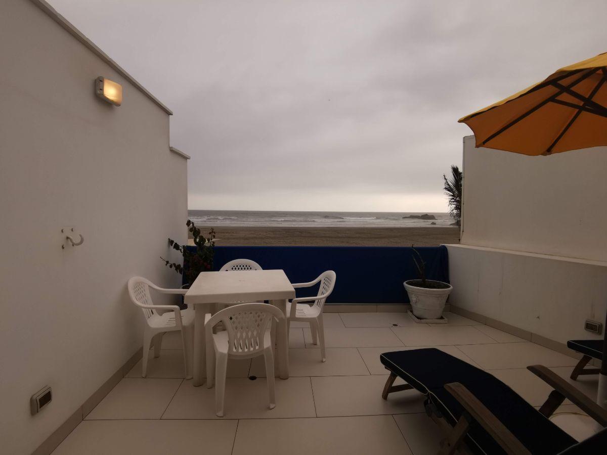 29 de 33: 2do Dormitorio principal en el piso 2 con salida a terraza