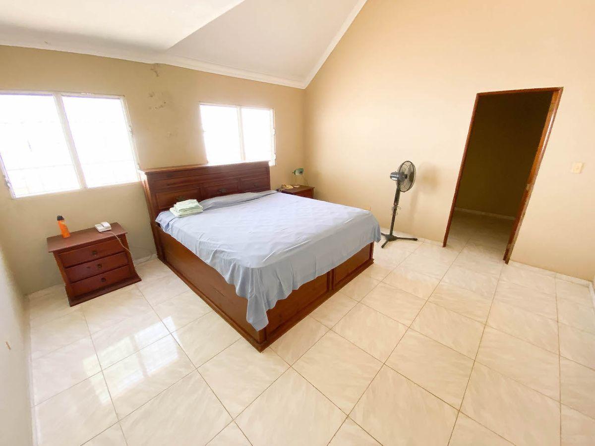 8 de 14: Amplias habitaciones cada una con baño