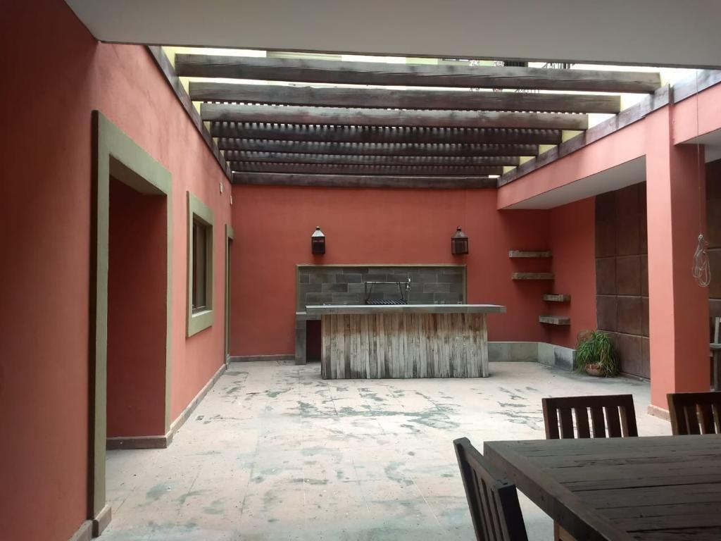 3 of 10: Terraza privada