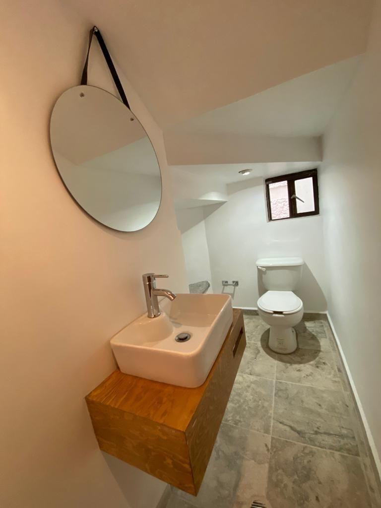 4 de 25: Medio baño remodelado