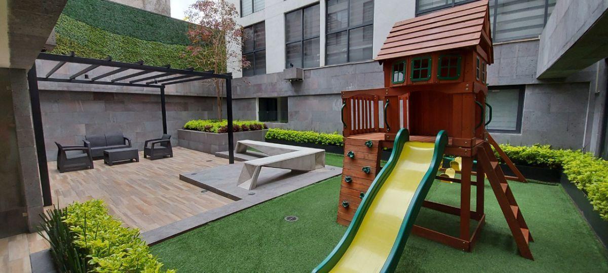 18 de 20: Juegos Infantiles y terraza