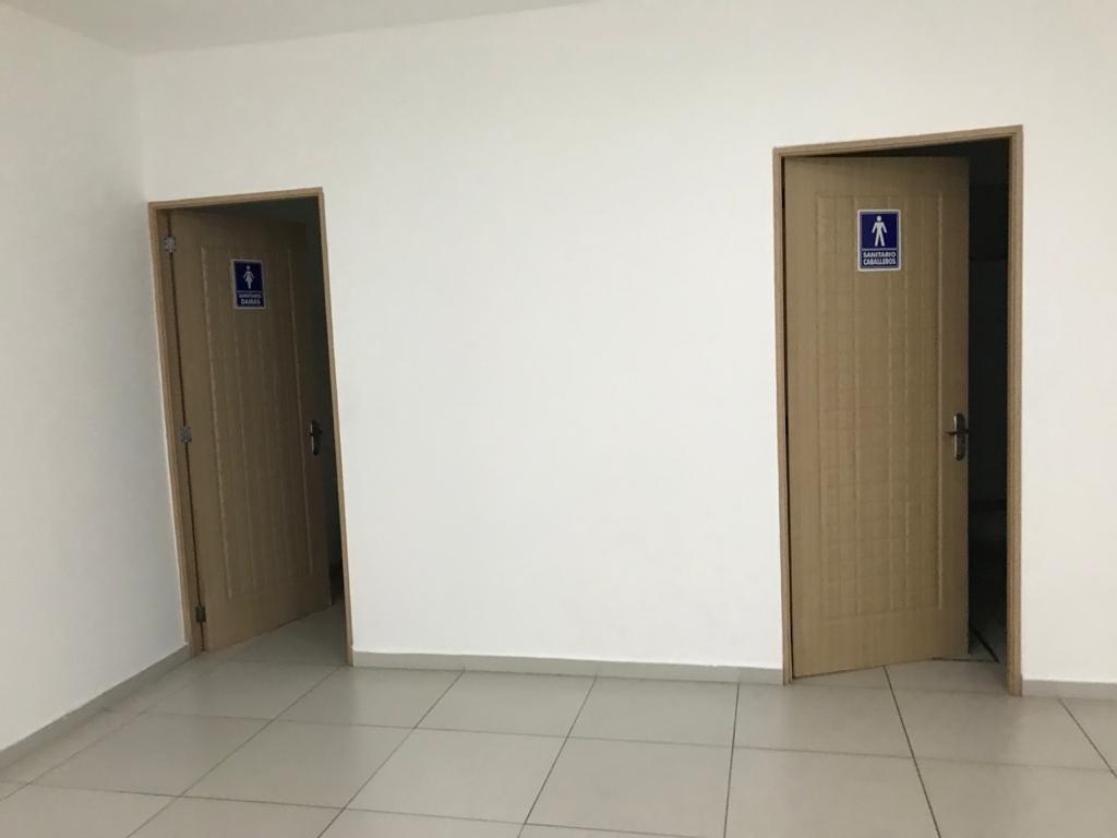 15 de 17: Baños de salon de eventos