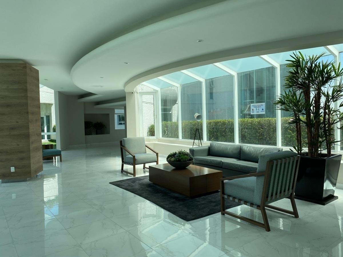 38 de 40: Sala de espera lobby