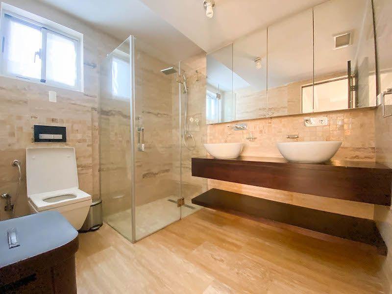21 de 28: Baño habitación #1
