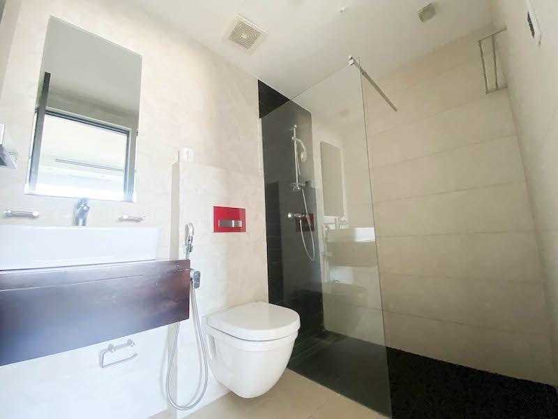 24 de 28: Baño habitación #2