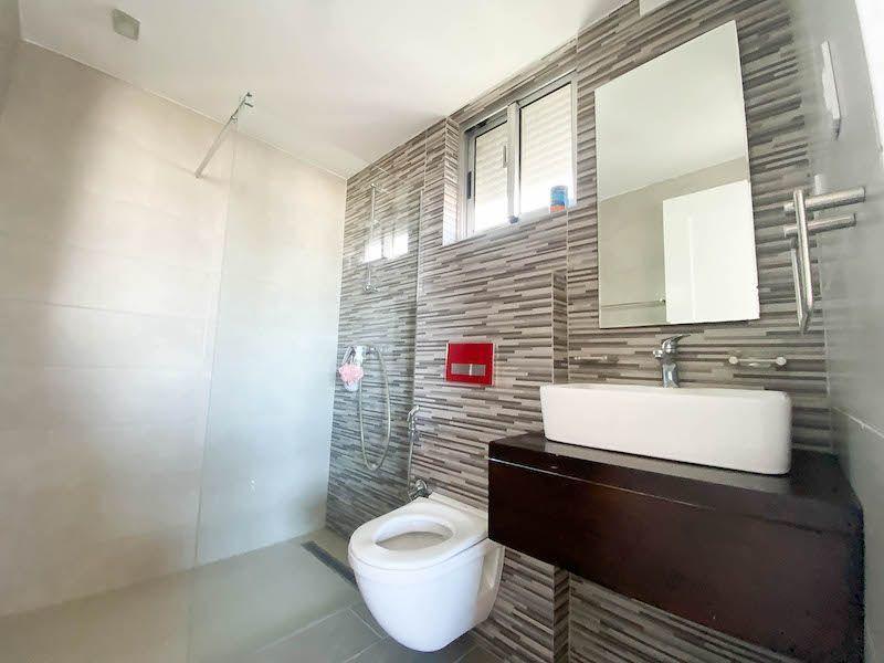 26 de 28: Baño habitación #3