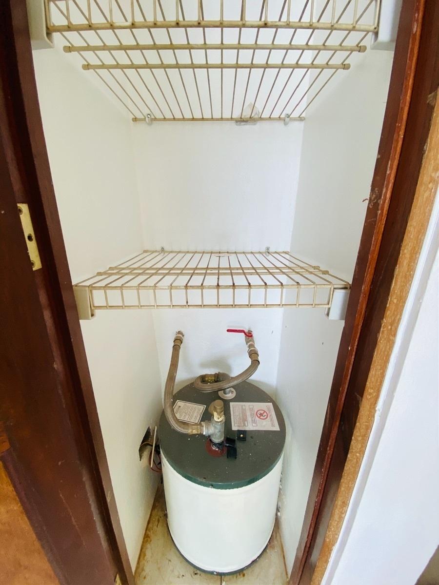 15 de 18:  Closet Ropa Blanca con Calentador