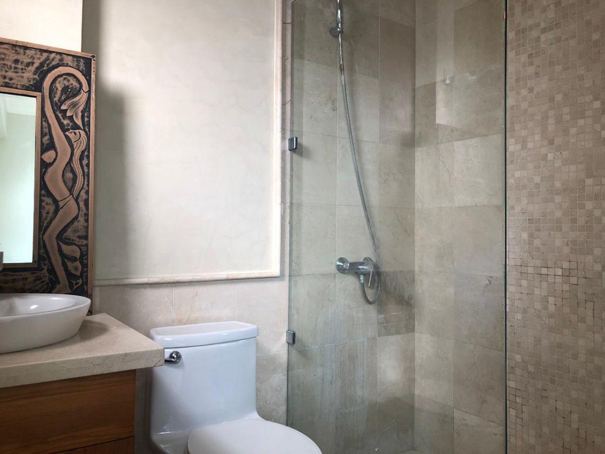 13 de 28: terminación de los baños