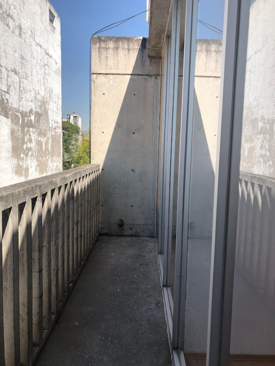 15 de 22: Balcón perimetral recámaras