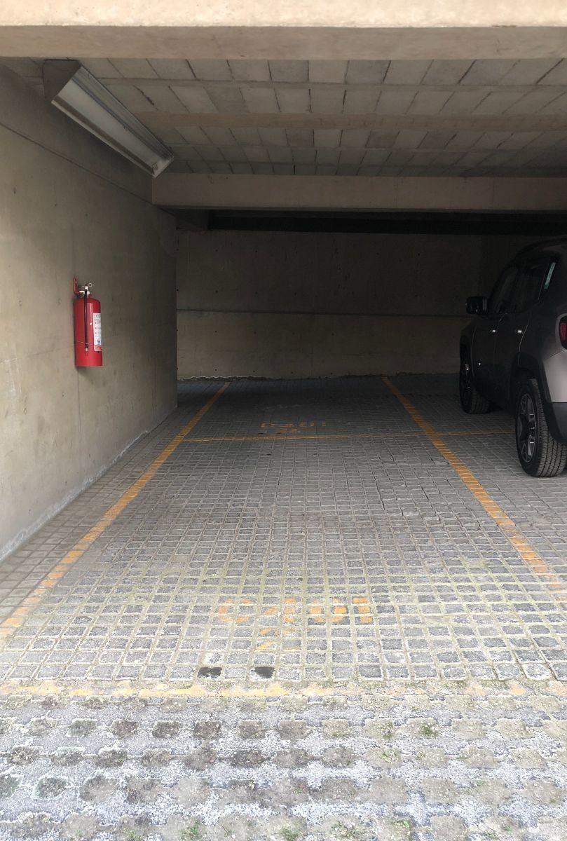 19 de 22: Lugares de estacionamiento